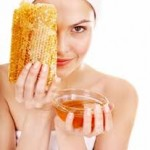 13 modalitati de a ne trata cu miere de albine!